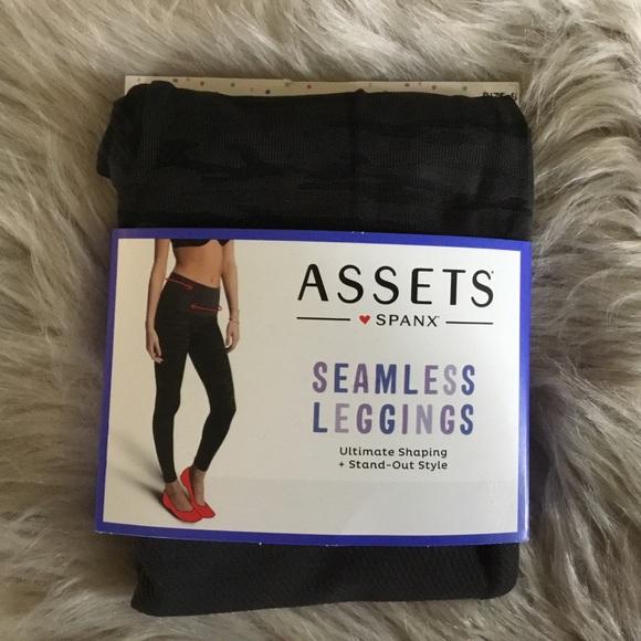 15e5505f7a926d Spanx Assets Pants   Spanx Graphic Camo Leggings Small Pepper Gray ...